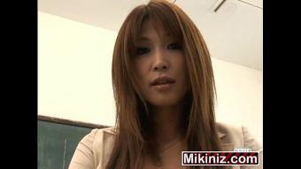 pornญี่ปุ่น x เพื่อนสาวข้างห้องเสื้อชมพูโดนข่มขืน จะพยายามดิ้นสู้แล้วแต่พอโดนลิ้นทะลวงรูหีก็ตัวอ่อนแอ่นหีให้เลีย